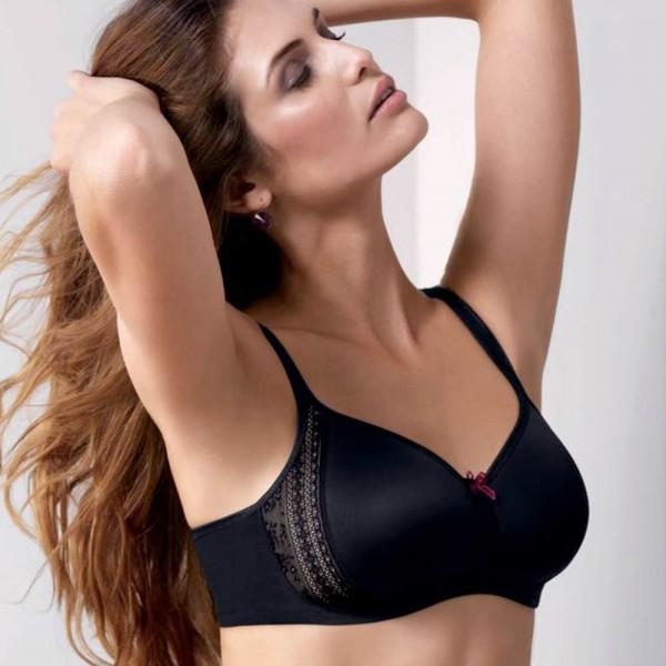 Rosa Faia BH ohne Bügel Modell Flur in Farbe schwarz am Modell